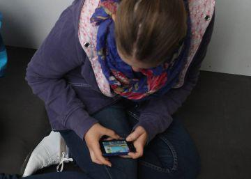 Expulsada una menor por agredir a un profesor que le quitó el móvil en clase