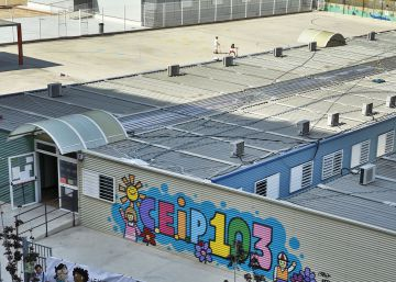 Desalojan el colegio 103 de Valencia por filtraciones de agua en las aulas