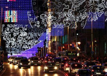 Las luces anuncian la llegada de la Navidad