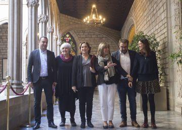 Seis alcaldes piden que el Parlament fuerce a los bancos a regular la ocupación de pisos