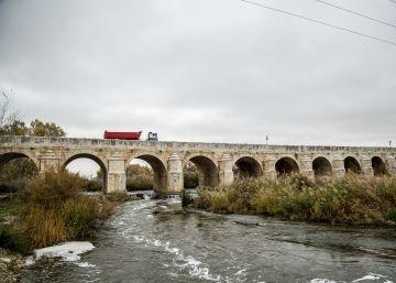 El puente de Aranjuez del siglo XVIII se cae a pedazos