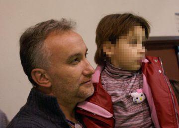 Los Mossos detienen a los padres de la niña Nadia por estafa