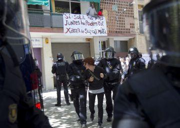 Colau culpa a la Generalitat de pedir penas de prisión a un matrimonio desahuciado