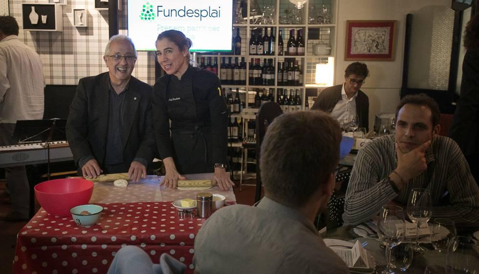 Una cena solidaria recauda euros para becas comedor for Becas comedor barcelona