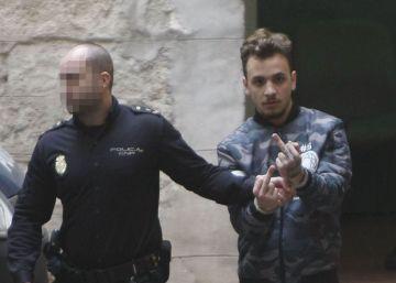 El maltratador cazado en Alicante por una cámara seguirá en prisión