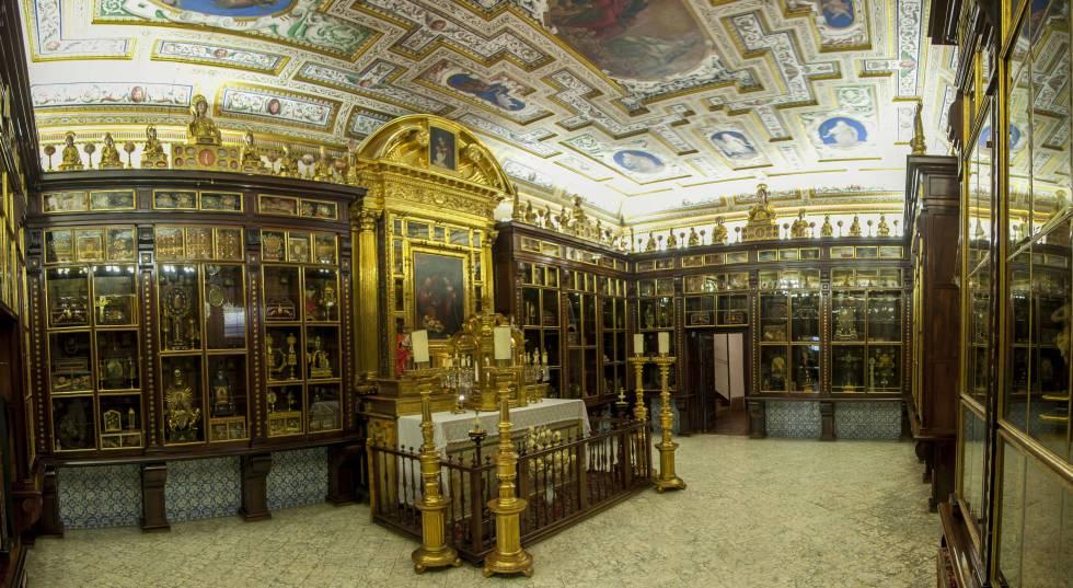 Estancia donde se guardan las más de 700 reliquias de la Encarnación.