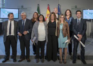 """Susana Díaz reclama a los medios que vuelvan a """"dar voz a Andalucía"""""""