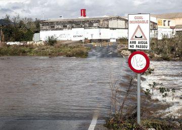 La Generalitat suspende las clases en 129 municipios por el temporal