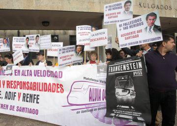 El ministro de Fomento recibirá a las víctimas del Alvia tras el plantón de Pastor