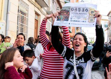 Izquierda Unida reparte 32 de los 56 millones de la lotería en Pinos Puente
