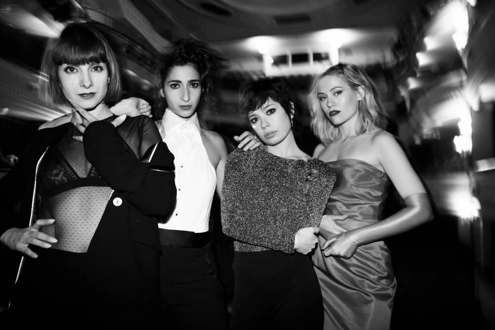 De izquierda a derecha, las actrices Najwa Nimri, Alba Flores, Anna Castillo y Kimberley Tell.