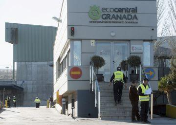 Un trabajador fallece aplastado por un contenedor en Alhendín