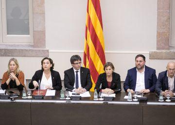 Romeva pide a Colau que defienda el referéndum aunque no se pacte