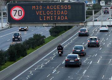 El Ayuntamiento limita la velocidad en la M-30 y los accesos por la contaminación
