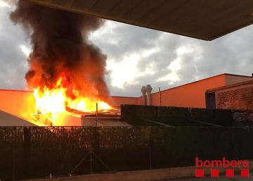 Un incendio obliga a desalojar a 140 personas del club Paradise