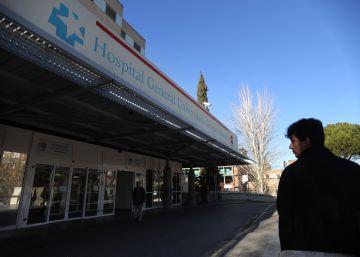 La sanidad pública gana seis hospitales pero pierde camas