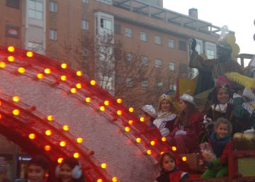 Detenido un hombre disfrazado de Rey Mago por intentar secuestrar a un niño en una cabalgata de Madrid