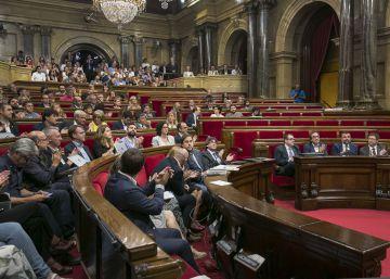 Puigdemont solo logra aprobar una de las 45 leyes de su plan de Gobierno