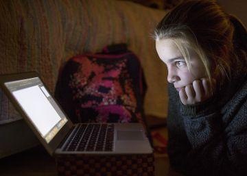 La Junta incluye en un plan la lucha contra el ciberacoso de adultos a alumnos