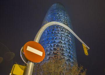 Las trabas de Colau entierran el hotel de la torre Agbar de Barcelona