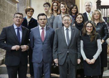 Los Parlamentos autonómicos piden una actualización de la Constitución
