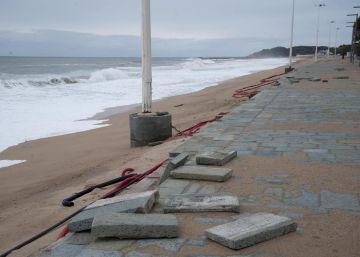 El mayor temporal en 14 años deja el litoral catalán sin playas