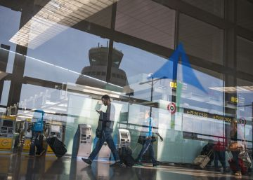 Two Vietnamese teens go unnoticed in Barcelona airport for four days