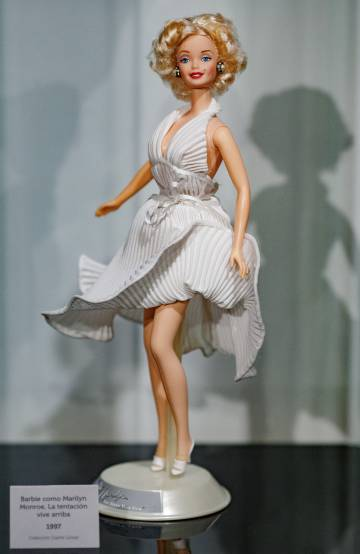 Barbie Marilyn Monroe.