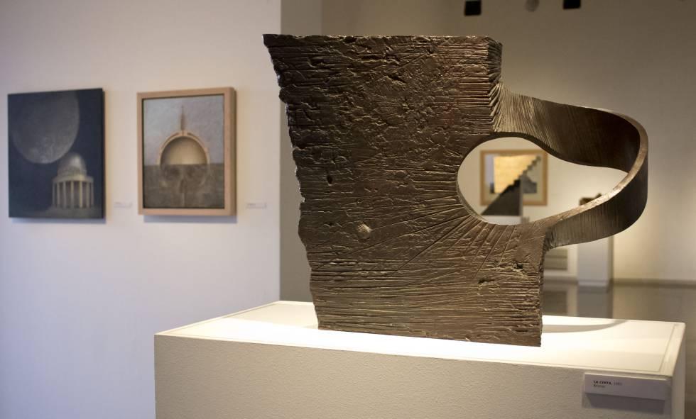 'La cinta' de 1992 i dues de les pintures acríliques de Subirachs.