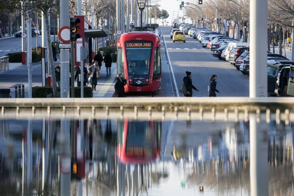 Ciudadanos pide cambiar el metro ligero oeste por for Metro ligero colonia jardin