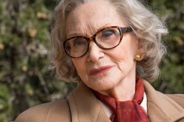 Sian Phillips interpreta a la germana de Dalí.