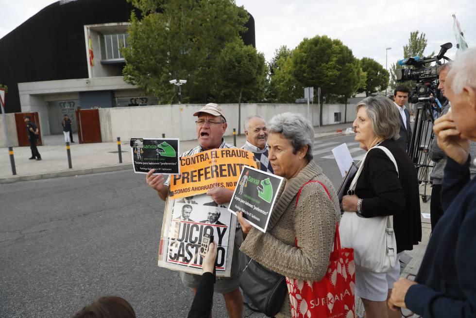 Afectados por las preferentes se manifestaban en septiembre ante la Audiencia Nacional.