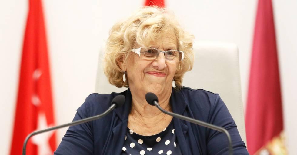 La alcaldesa de Madrid, Manuela Carmena, en el pleno municipal.