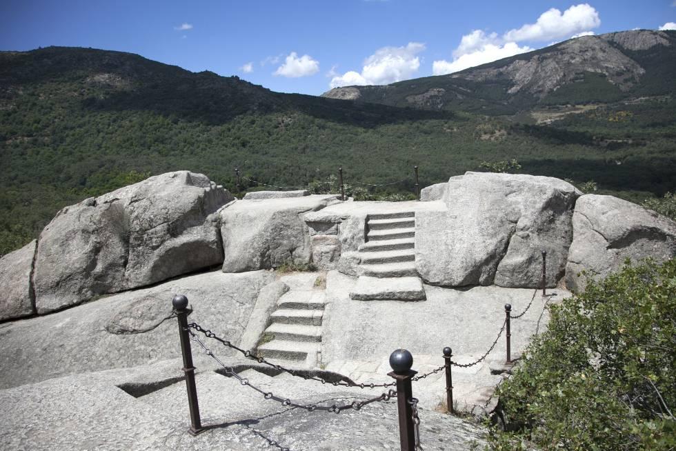 Silla de Felipe II, desde donde se contempla el monasterio de El Escorial.