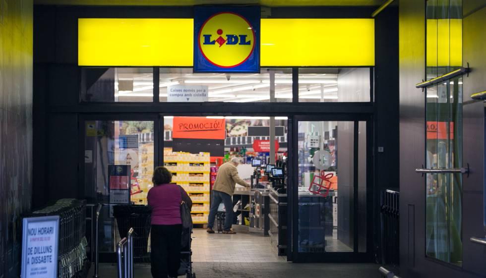 Empresa despide a empleado por trabajar de más — España