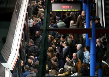 Los maquinistas del Metro desconvocan el paro de hoy