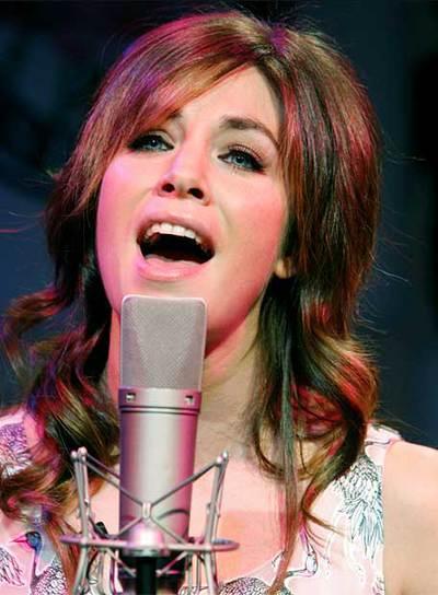Leire Martínez interpreta 'Jueves', uno de los temas del próximo álbum de La Oreja de Van Gogh