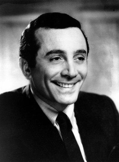 El cantate en una imagen tomada en 1967