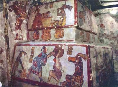 Fragmento de la pirámide policromada de Calakmul (México)