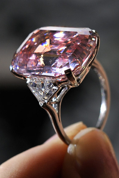 La piedra preciosa m s cara del mundo cuesta 33 millones for Cual es el color piedra