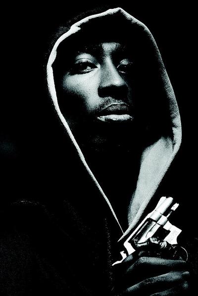 Tupac Shakur, en una fotografía de LAlbert Watson.