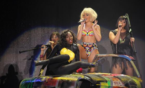 La cantante Rihanna, en un momento de su concierto en el Palau Sant Jordi de Barcelona.