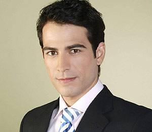 Alejandro Tous es uno de los actores que podrían interpretar a Julio Iglesias.