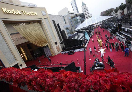 Todo preparado en la larga alfombra roja para una nueva edición de los Oscar.