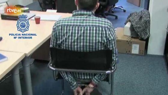 Anonymous 'tumba' la web de Interpol como represalia por las detenciones