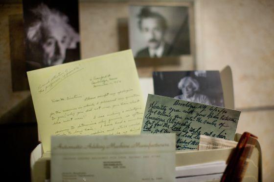 El archivo de Albert Einstein llega a la Red
