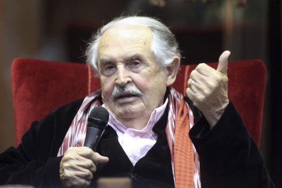 El guionista italiano Tonino Guerra.