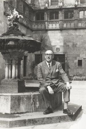 El escritor Álvaro Cunqueiro, en una foto cedida por su familia.