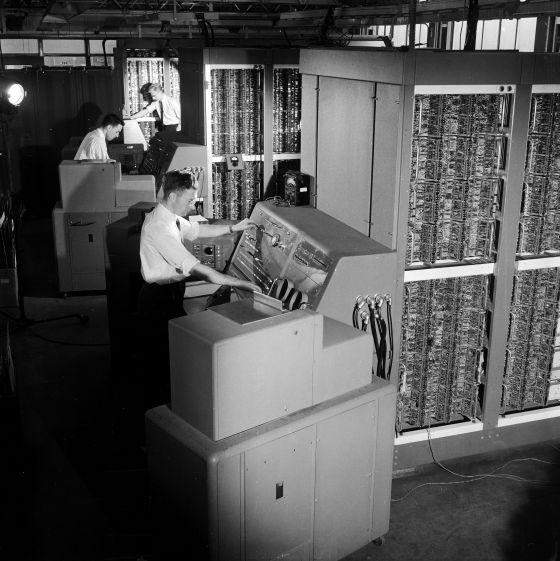 Ordenadores desarrollados por English Electric en los años cincuenta del siglo XX.