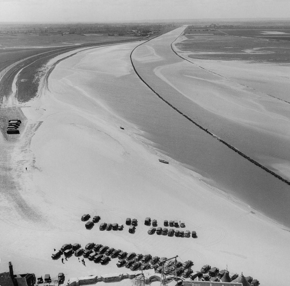 Marea baja en el Monte Saint- Michel, 1936.
